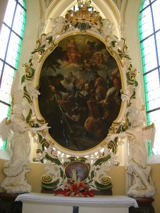 The cathedral flaunts Baroque artworks
