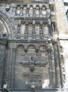 Another look at the Romanesque portal of St. James' Church