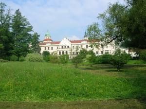 The chateau from the park