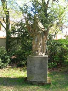 A statue at Chyše Chateau