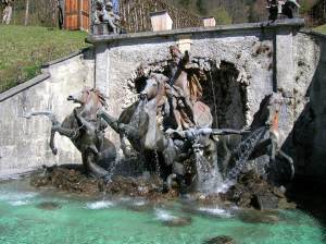 A spectacular fountain at Linderhof Palace