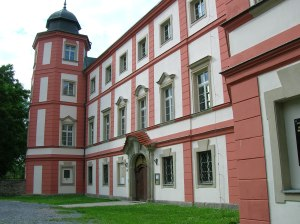 The chateau in Zámrsk