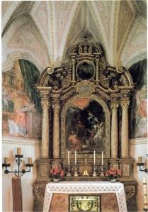 An altar in the church on Fraueninsel