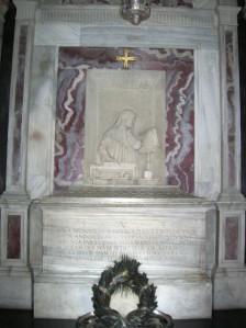 Small portico of chapel of Church of San Pier Maggiore, where Dante's remains are kept