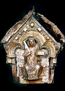 Another closeup of the reliquary of Saint Maurus from www.svatymaur.cz