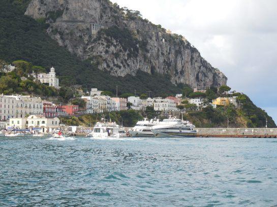 Capri42