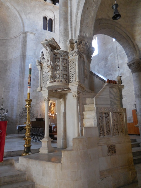 PUGLIABitontocathpulpit1