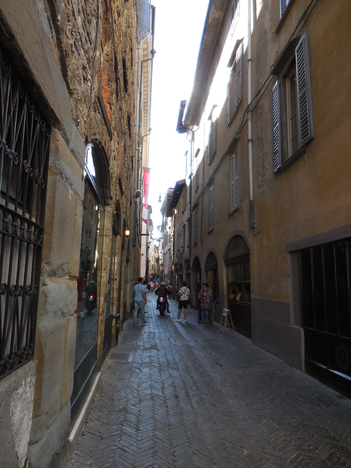 Bergamostreet1