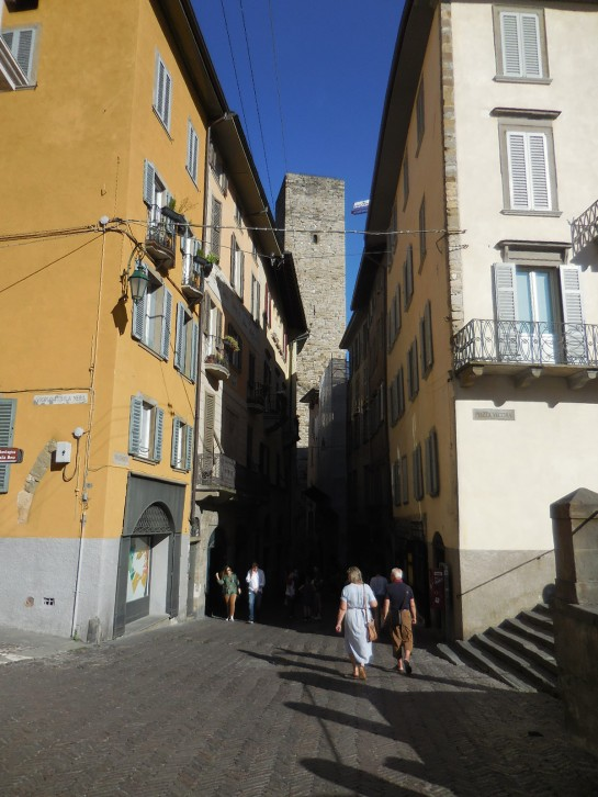 Bergamostreet2