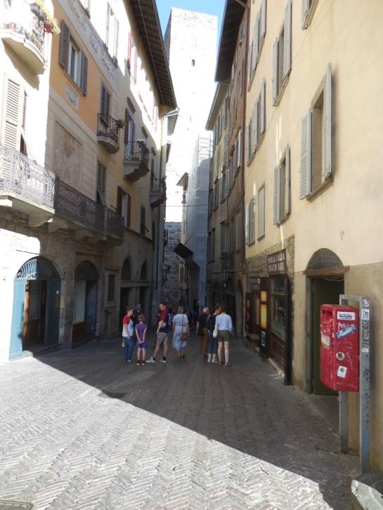Bergamostreet3